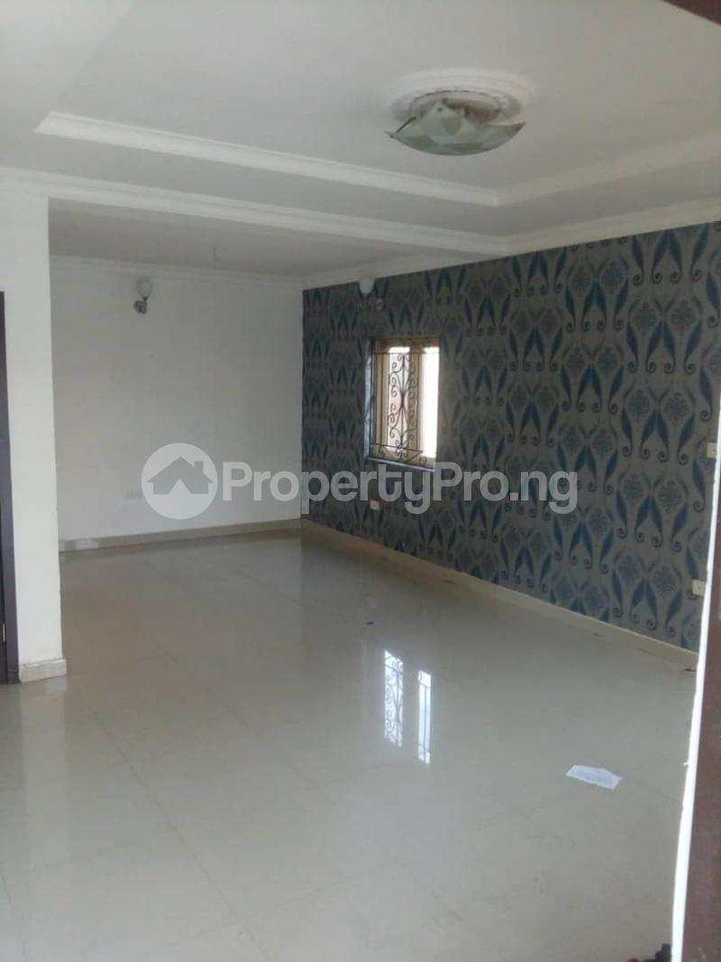 4 bedroom Flat / Apartment for rent Peace Estate, Surulere Lagos - 9