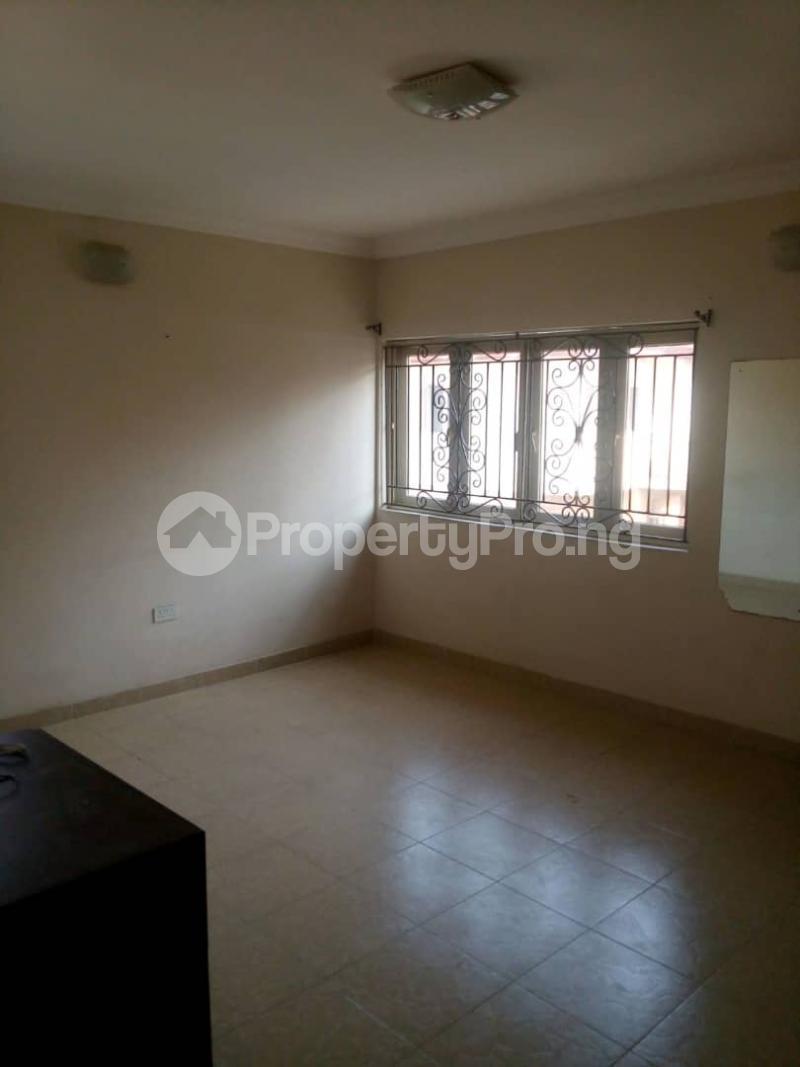 4 bedroom Flat / Apartment for rent Peace Estate, Surulere Lagos - 3