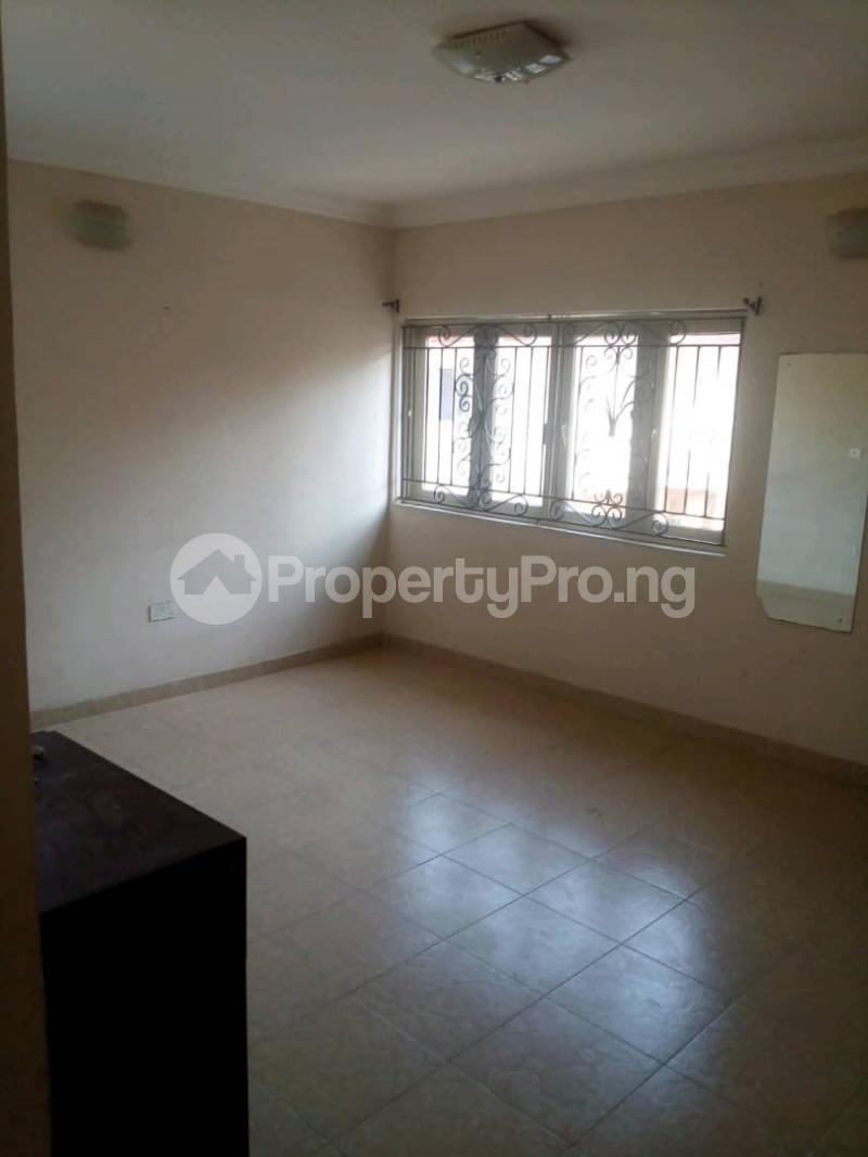 4 bedroom Flat / Apartment for rent Peace Estate, Surulere Lagos - 5