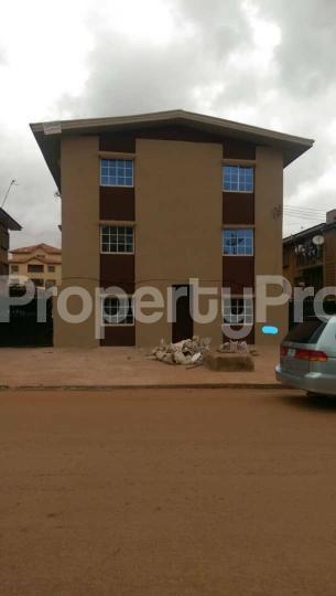 3 bedroom Block of Flat for sale Achara-Layout Enugu state. Enugu South Enugu - 1