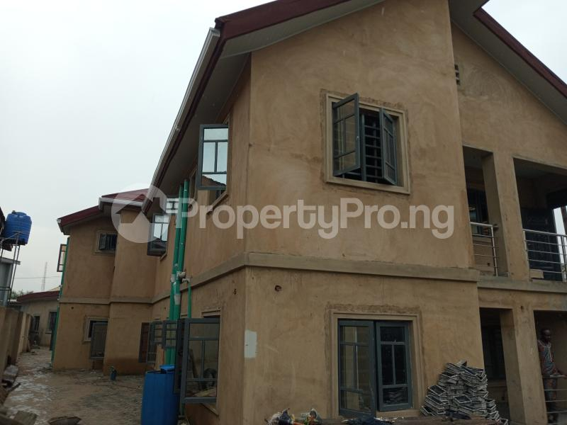 2 bedroom Blocks of Flats House for rent Shodipe st Ojuelegba Surulere Lagos - 3