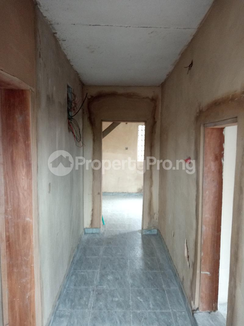 2 bedroom Blocks of Flats House for rent Shodipe st Ojuelegba Surulere Lagos - 5
