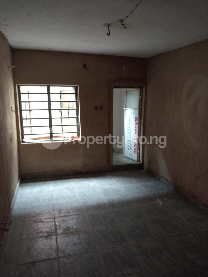 2 bedroom Blocks of Flats House for rent Shodipe st Ojuelegba Surulere Lagos - 1