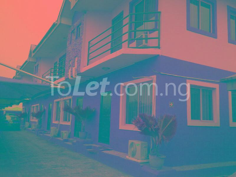 3 bedroom Flat / Apartment for rent 2 Saka Oluguna Orile Maroko, Off Mobil Estate Rd. Ilaje Before Ajah Lekki. No Agency Fees Diret From The Landlord! Ilaje Lagos - 1