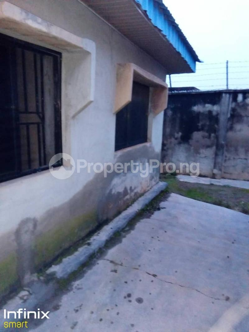 2 bedroom Flat / Apartment for rent Iyana Ajia, Egbeda, Area 3 Plot To The Road Egbeda Oyo - 3