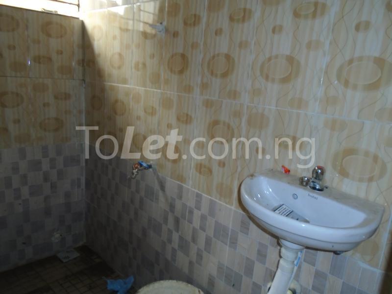 1 bedroom mini flat  Self Contain Flat / Apartment for rent - Lawanson Surulere Lagos - 7