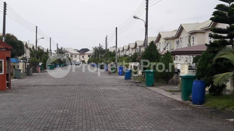 4 bedroom Semi Detached Duplex House for sale Friend's colony estate Agungi Lekki Lagos - 12