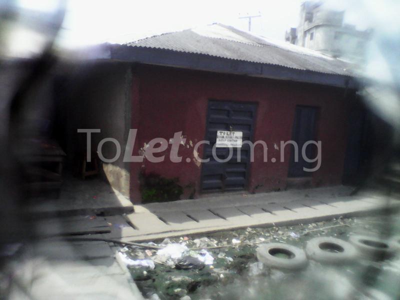 1 bedroom Self Contain for rent Ijoro Badia Ijora Apapa Lagos - 2