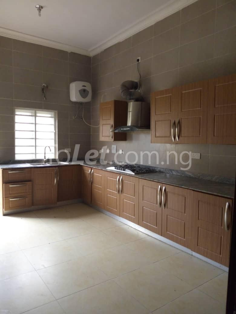 4 bedroom Shared Apartment Flat / Apartment for rent White oak Estate  Ologolo Lekki Lagos - 2
