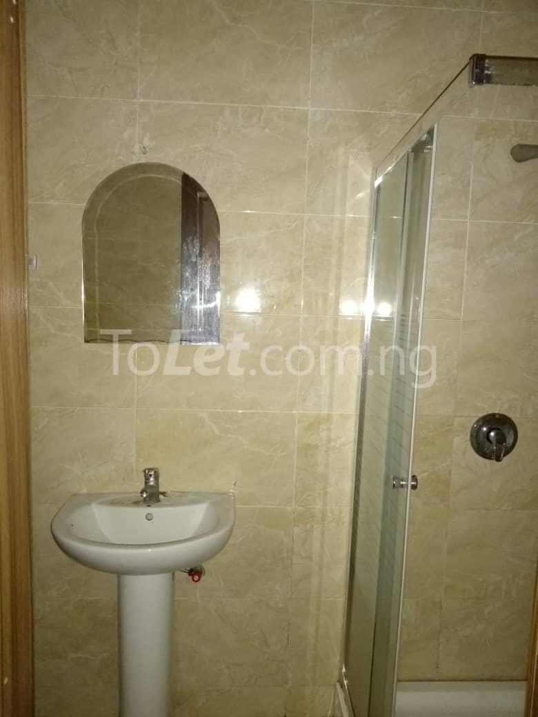 4 bedroom Shared Apartment Flat / Apartment for rent White oak Estate  Ologolo Lekki Lagos - 1