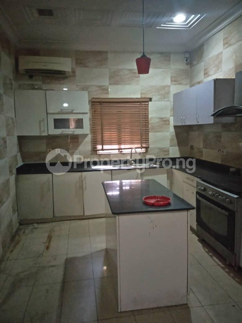 4 bedroom Shared Apartment Flat / Apartment for rent Bera Estate chevron Lekki Lagos - 1