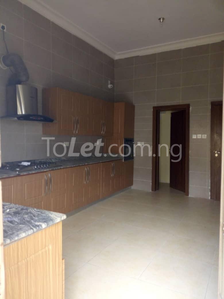 4 bedroom Shared Apartment Flat / Apartment for rent White oak Estate  Ologolo Lekki Lagos - 3