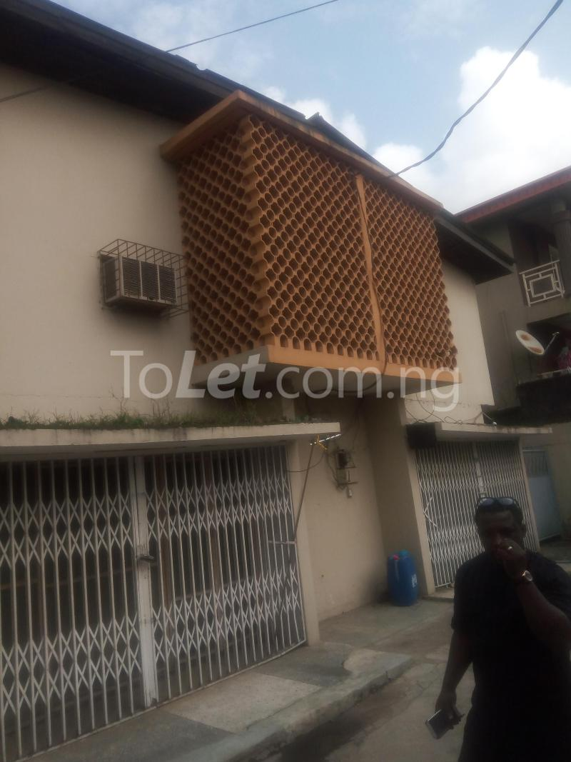 4 bedroom Flat / Apartment for sale Agbonyin Lagos - 1