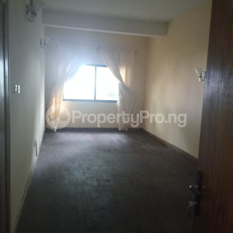 3 bedroom Flat / Apartment for rent Oluwanisola Estate, By 2nd Toll Gate chevron Lekki Lagos - 12