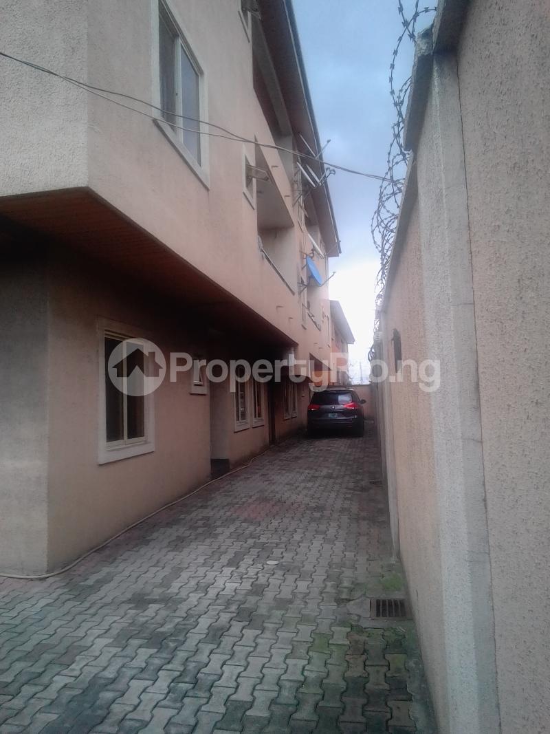 3 bedroom Flat / Apartment for rent Pedro Phase 1 Gbagada Lagos - 0