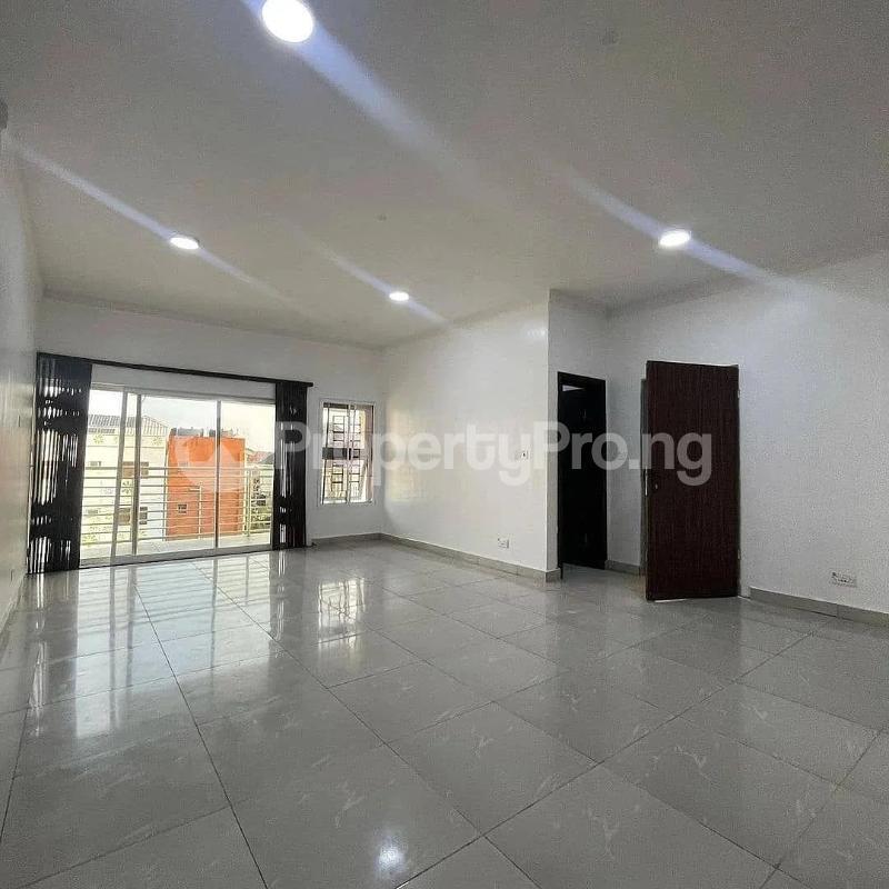 3 bedroom Blocks of Flats for sale 2nd Toll Gate chevron Lekki Lagos - 9