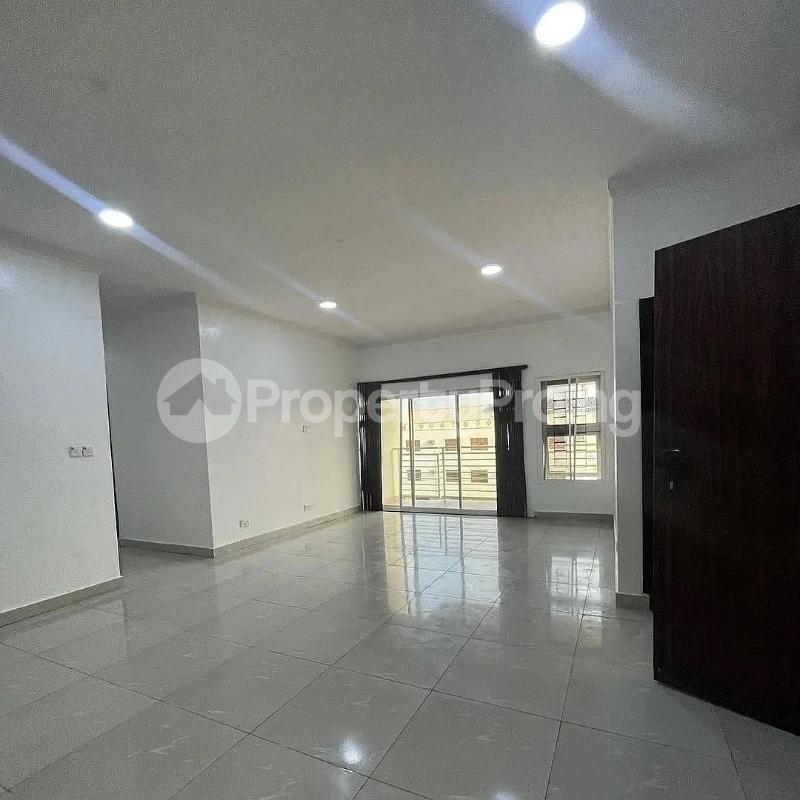 3 bedroom Blocks of Flats for sale 2nd Toll Gate chevron Lekki Lagos - 6
