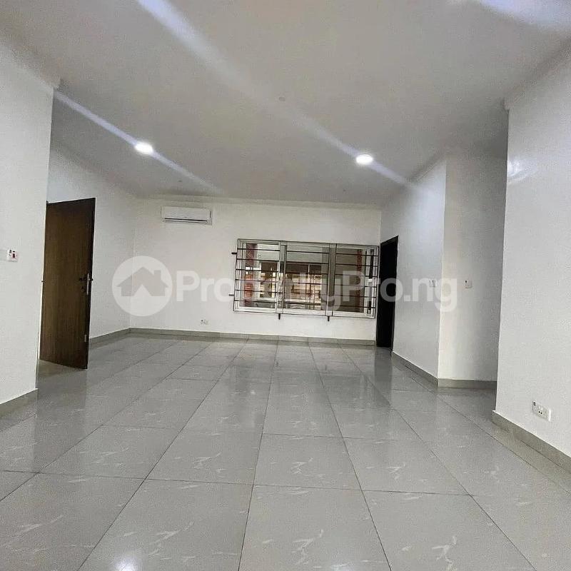 3 bedroom Blocks of Flats for sale 2nd Toll Gate chevron Lekki Lagos - 4