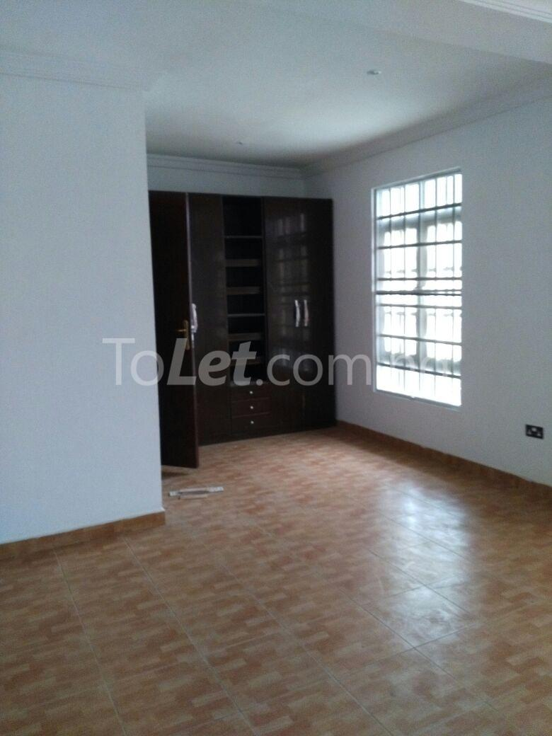 3 bedroom House for rent Mende Mende Maryland Lagos - 3