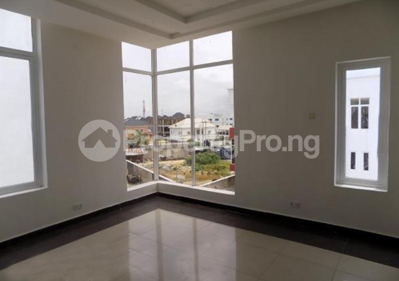 4 bedroom Semi Detached Duplex House for sale In an Estate Near ShopRite Osapa london Lekki Lagos - 8