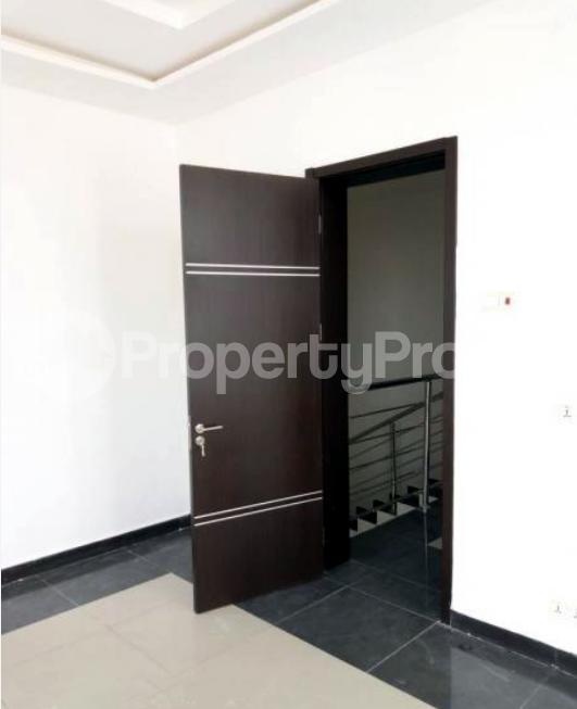 4 bedroom Semi Detached Duplex House for sale In an Estate Near ShopRite Osapa london Lekki Lagos - 3