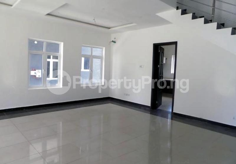 4 bedroom Semi Detached Duplex House for sale In an Estate Near ShopRite Osapa london Lekki Lagos - 6