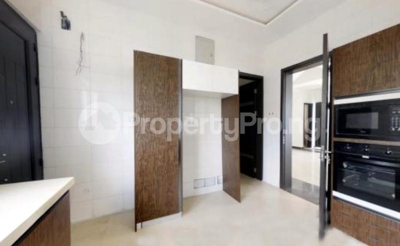 4 bedroom Semi Detached Duplex House for sale In an Estate Near ShopRite Osapa london Lekki Lagos - 11