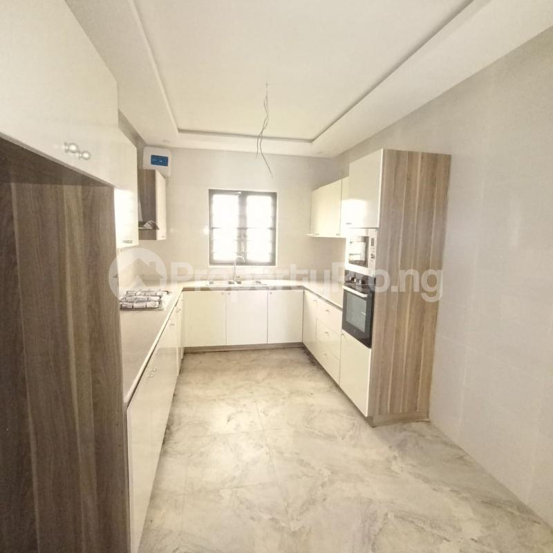 4 bedroom Terraced Duplex for sale Osapa Axis Ologolo Lekki Lagos - 4