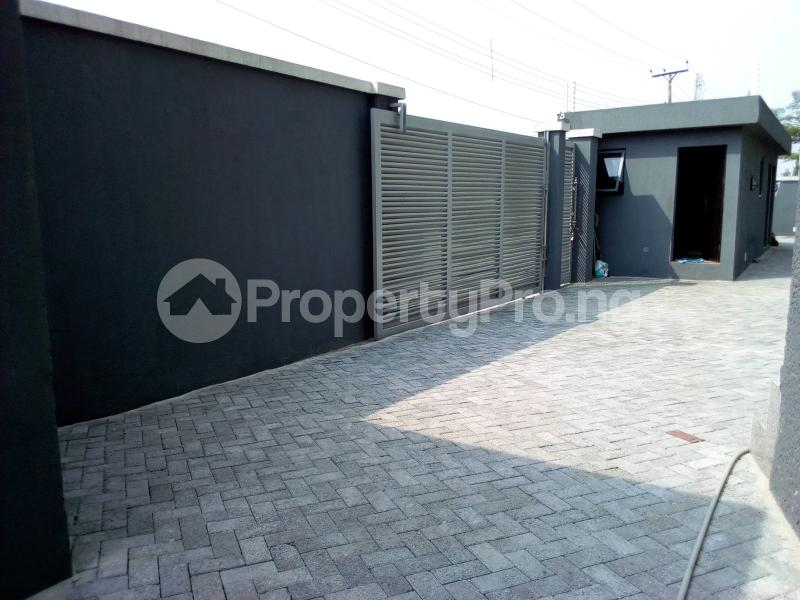 4 bedroom Terraced Duplex House for sale Before Canal Agungi Lekki Lagos - 12