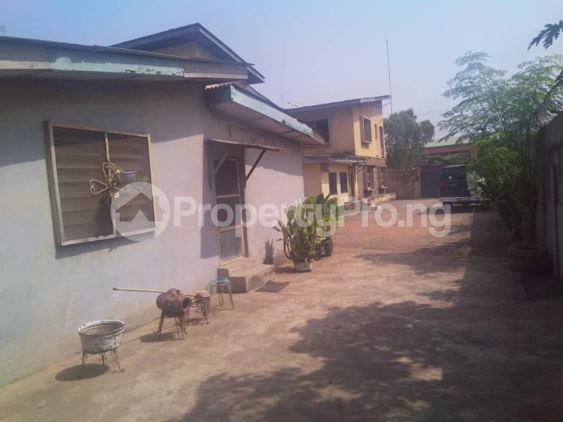 7 bedroom Detached Bungalow House for sale ---- Onipanu Shomolu Lagos - 2