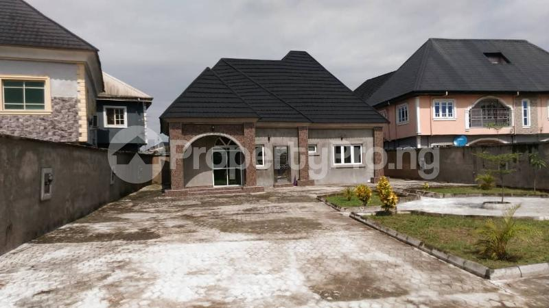 3 bedroom Detached Bungalow House for sale Close to Ago palace way Bucknor Isolo Lagos - 3