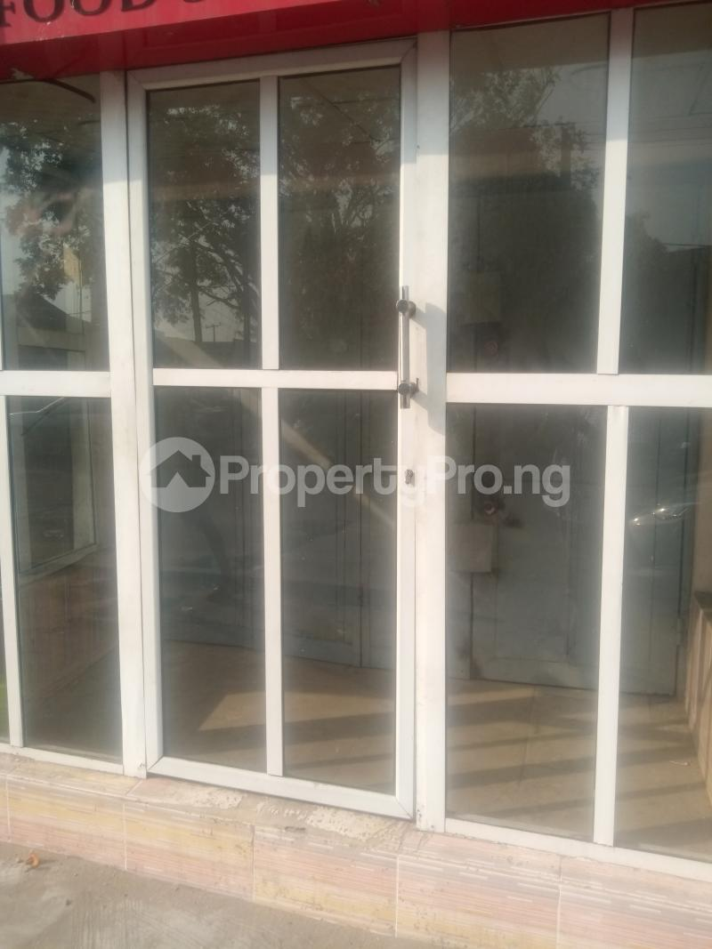Shop Commercial Property for rent Itire road close to Ogunlana drive Ogunlana Surulere Lagos - 0