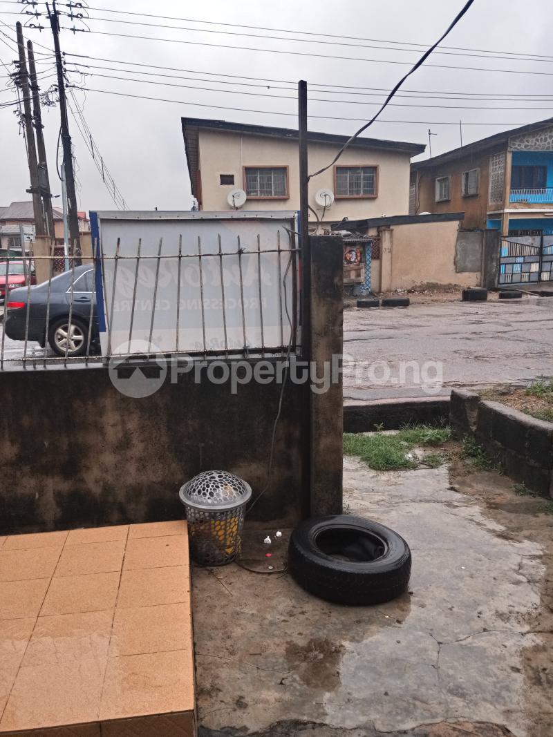 Shop Commercial Property for rent Fola agoro road Fola Agoro Yaba Lagos - 1