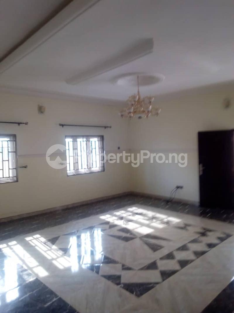 4 bedroom Terraced Bungalow House for rent Alagbaka Akure Ondo - 3