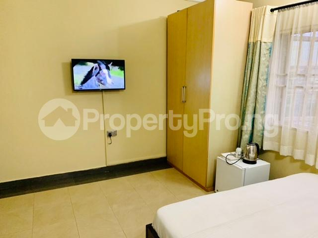 1 bedroom mini flat  Self Contain Flat / Apartment for shortlet Road 38 Lekki Scheme 2 by Abraham Adesanya Ajah Lagos - 3