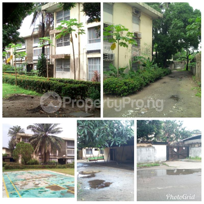 3 bedroom Shared Apartment Flat / Apartment for sale Crowther crescent  Apapa G.R.A Apapa Lagos - 3