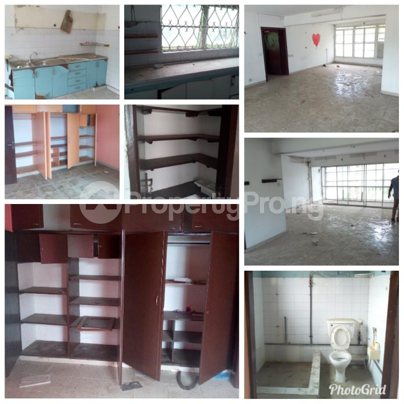 3 bedroom Shared Apartment Flat / Apartment for sale Crowther crescent  Apapa G.R.A Apapa Lagos - 1
