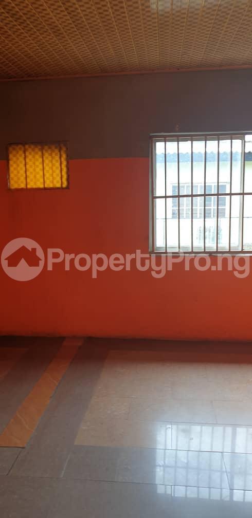 3 bedroom Flat / Apartment for rent Alagomeji, Yaba. Alagomeji Yaba Lagos - 2
