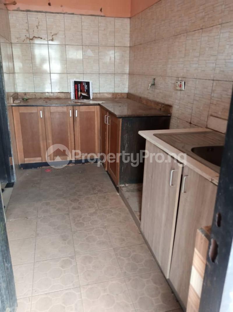 3 bedroom Flat / Apartment for rent off Apata street shomolu Lagos by orthopedic Shomolu Lagos - 13