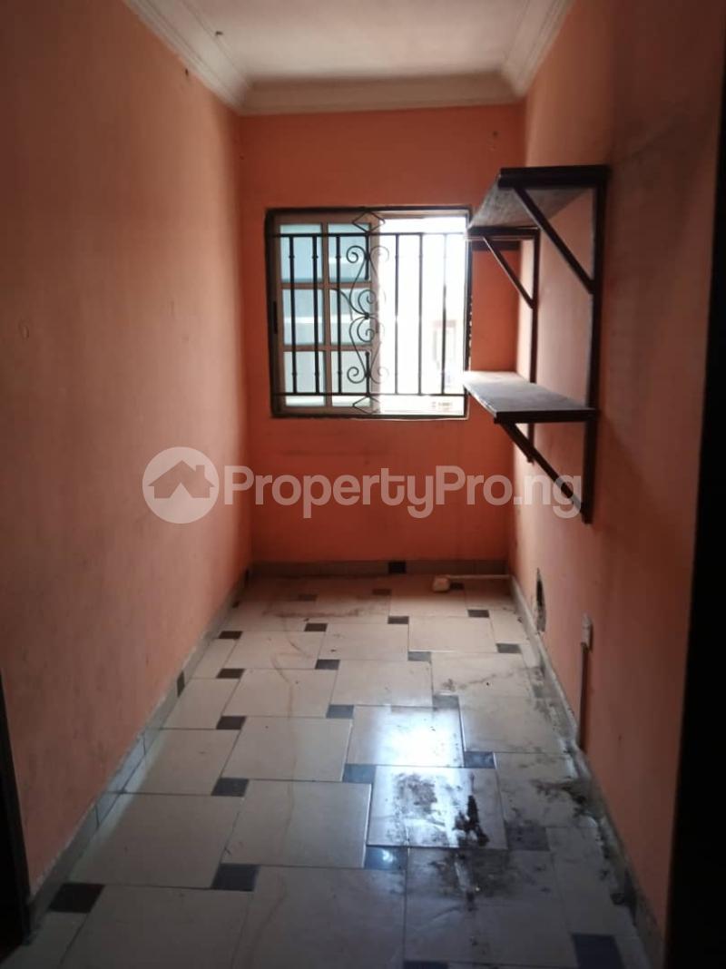 3 bedroom Flat / Apartment for rent off Apata street shomolu Lagos by orthopedic Shomolu Lagos - 5