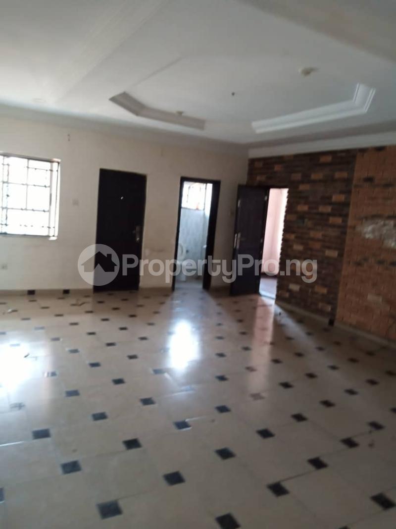 3 bedroom Flat / Apartment for rent off Apata street shomolu Lagos by orthopedic Shomolu Lagos - 2
