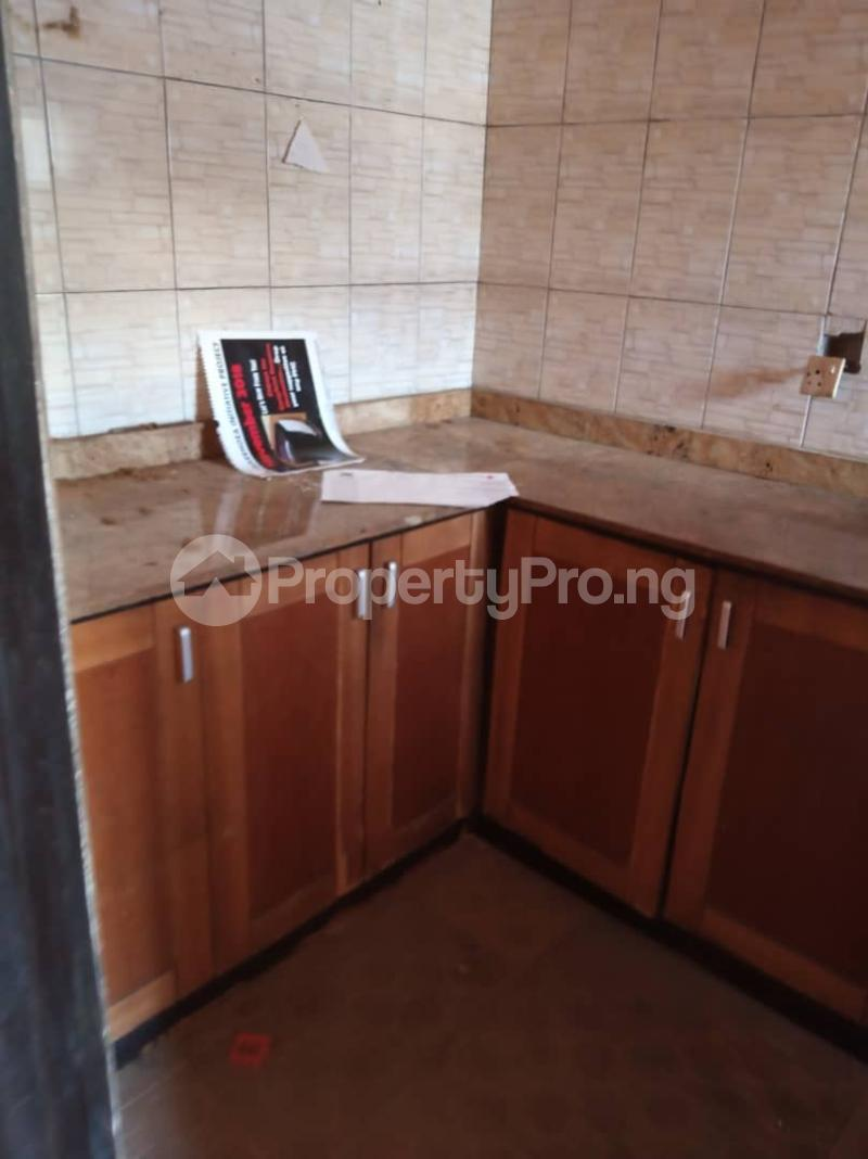 3 bedroom Flat / Apartment for rent off Apata street shomolu Lagos by orthopedic Shomolu Lagos - 12