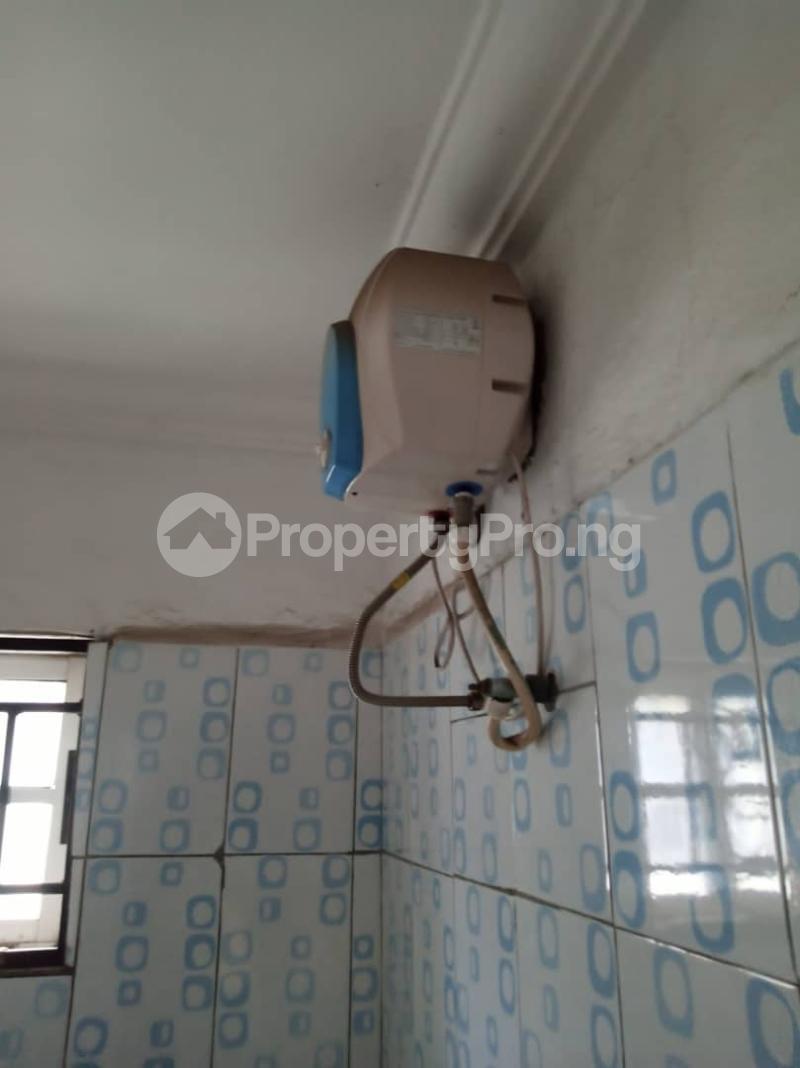 3 bedroom Flat / Apartment for rent off Apata street shomolu Lagos by orthopedic Shomolu Lagos - 8