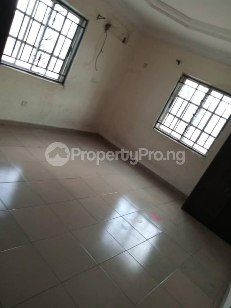 3 bedroom Flat / Apartment for rent off Apata street shomolu Lagos by orthopedic Shomolu Lagos - 6