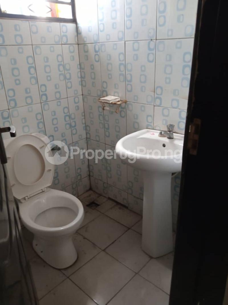 3 bedroom Flat / Apartment for rent off Apata street shomolu Lagos by orthopedic Shomolu Lagos - 11