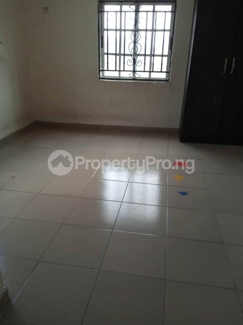 3 bedroom Flat / Apartment for rent off Apata street shomolu Lagos by orthopedic Shomolu Lagos - 7