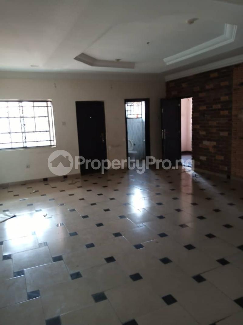 3 bedroom Flat / Apartment for rent off Apata street shomolu Lagos by orthopedic Shomolu Lagos - 1
