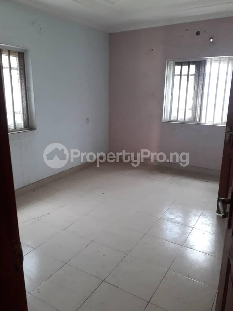 2 bedroom Flat / Apartment for rent By balogun bus stop Ago palace Okota Lagos - 4