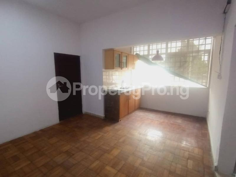 2 bedroom Blocks of Flats for rent Off Akin Adesola Way, Victoria Island. Akin Adesola Victoria Island Lagos - 5