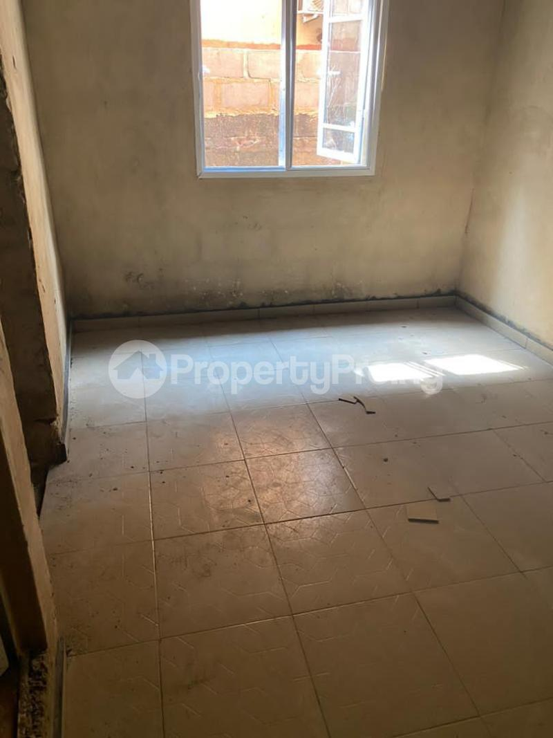 1 bedroom mini flat  Mini flat Flat / Apartment for rent .... Ikorodu road(Ilupeju) Ilupeju Lagos - 10